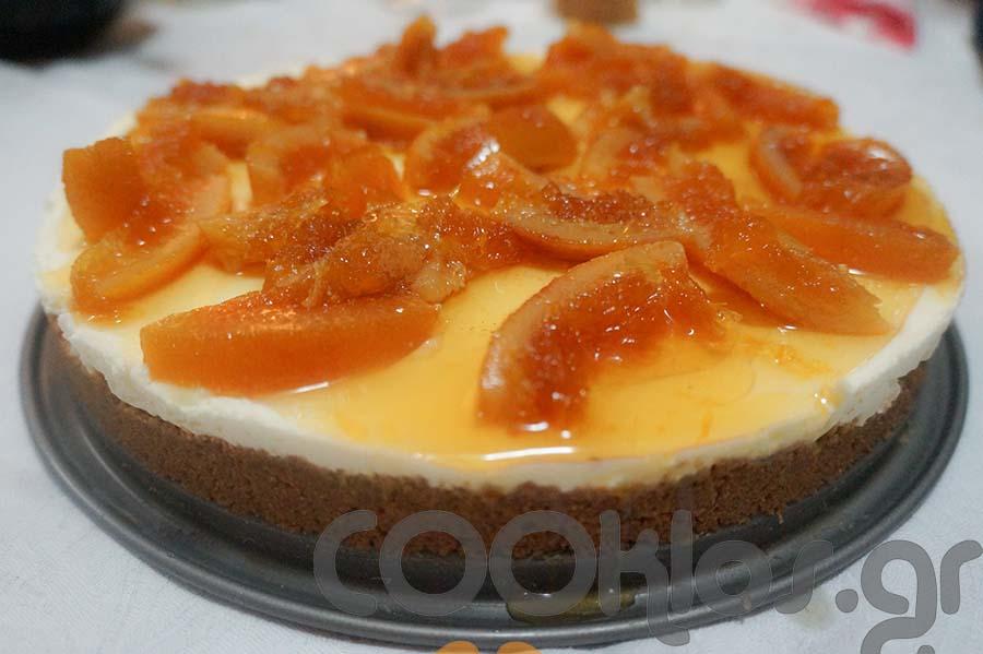 Τσιζκέικ κανέλας με πορτοκάλια κονφί