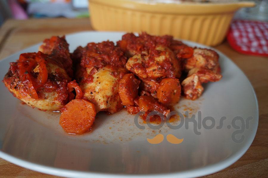 Εύκολο κοκκινιστό κοτόπουλο στο φούρνο