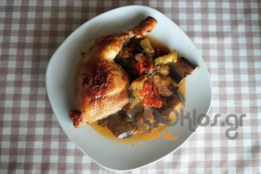 Κοτόπουλο με λαχανικά στη γάστρα