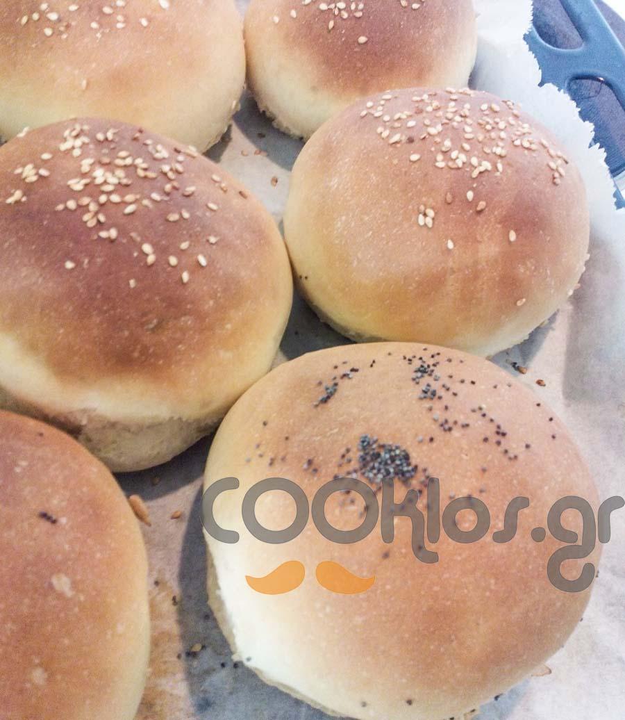 Πεντανόστιμα ψωμάκια