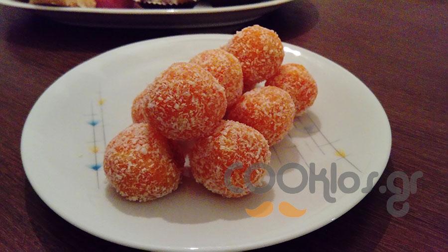 Τρουφάκια με καρότο και ινδοκάρυδο