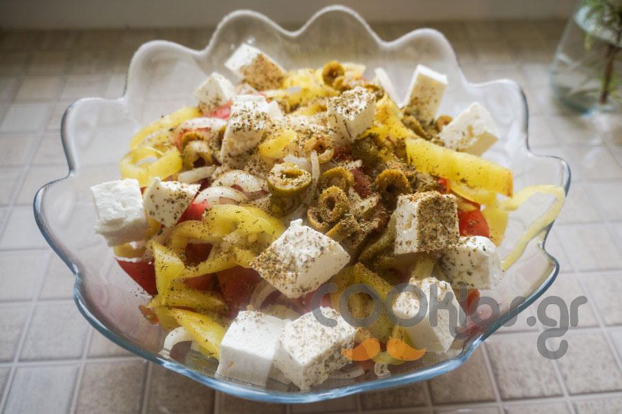Χωριάτικη σαλάτα παραδοσιακή