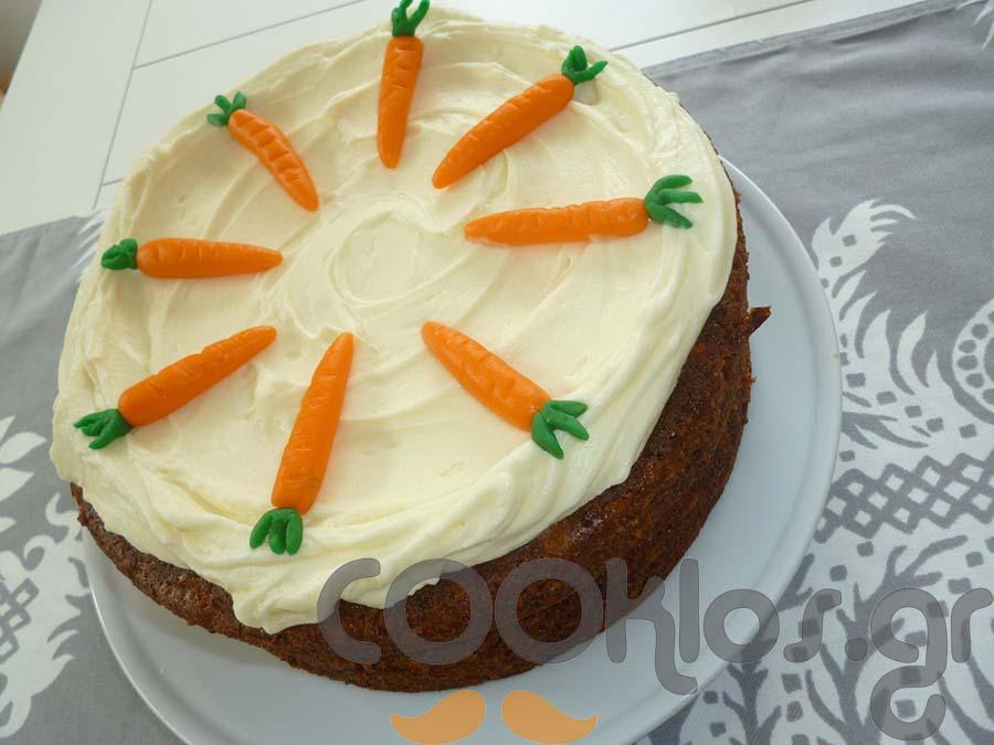 Κέικ καρότου με τζίντζερ και κρέμα