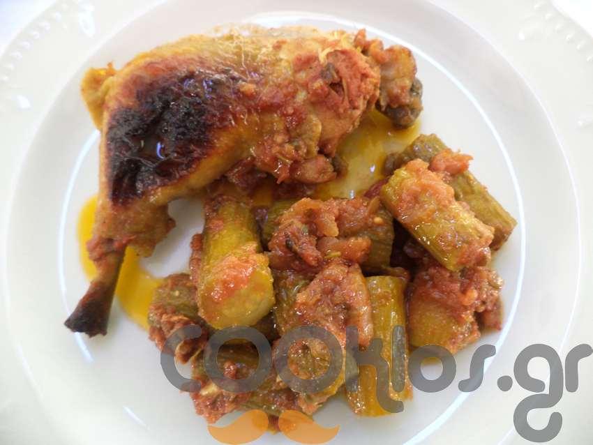 Κοτόπουλο κοκκινιστό με κολοκυθάκια