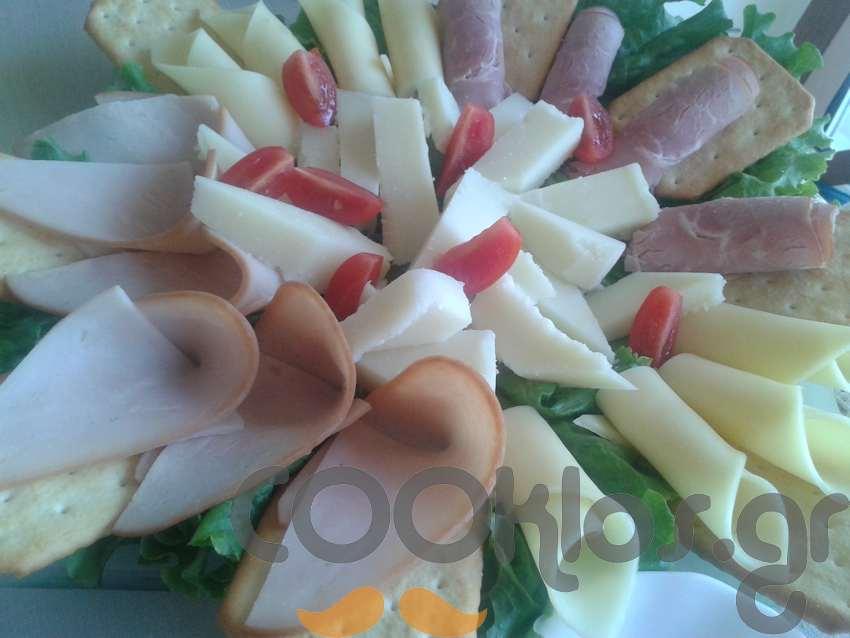 Πιάτο τυριών και αλλαντικών