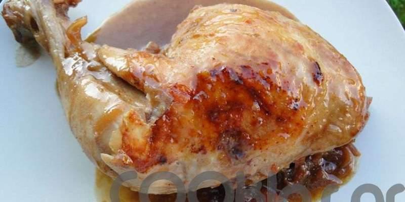Κοτόπουλο κατσαρόλας με κρεμμύδια σβησμένο με μπύρα