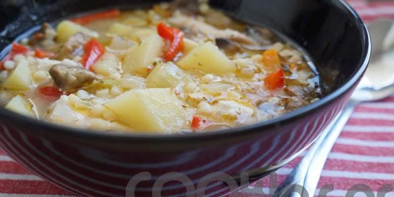 Κοτόσουπα με λαχανικά και κουσκούς