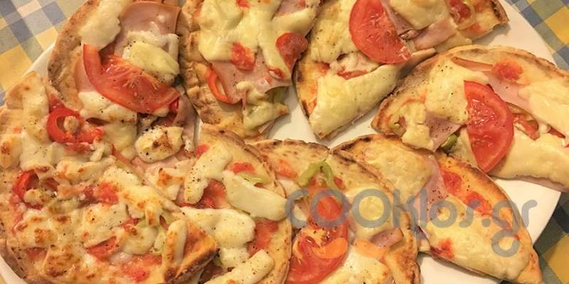 Πίτες με μαστέλο Χίου, ψητή γαλοπούλα και ζαμπόν