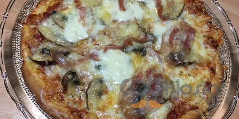 Πίτσα τζόλα
