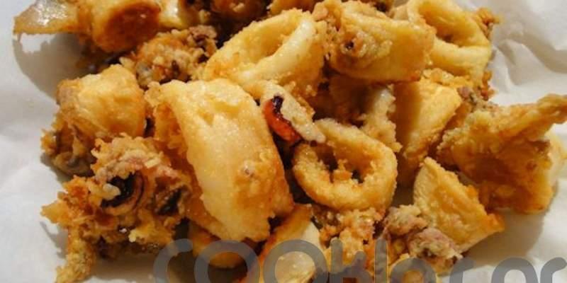 Καλαμαράκια τηγανητά μαριναρισμένα σε ούζο