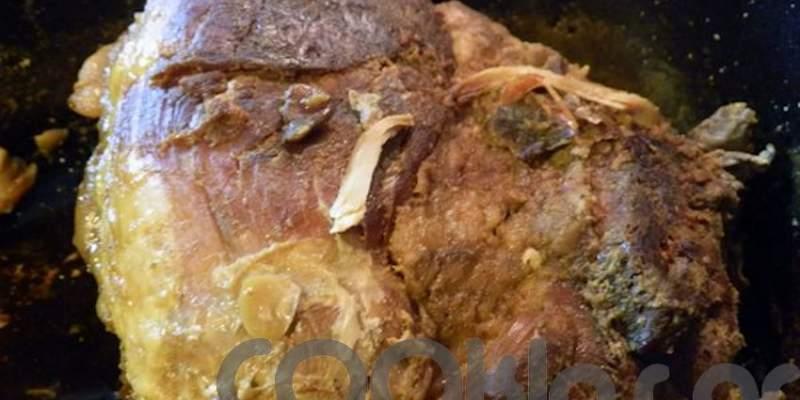 Μπούτι χοιρινό στη γάστρα