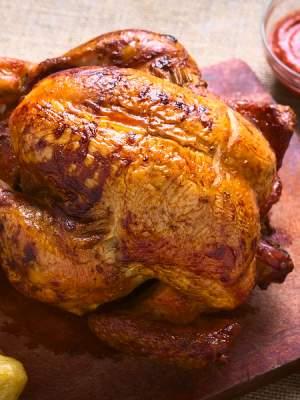 Πώς καταλαβαίνουμε ότι το κοτόπουλο ψήθηκε;