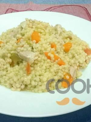 Κουσκούς με κοτόπουλο που περίσσεψε και λαχανικά
