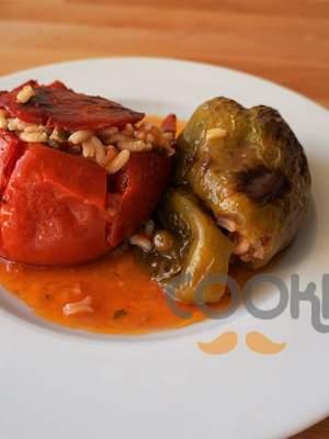 Ντομάτες και πιπεριές γεμιστές με κιμά