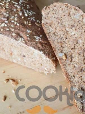 Ψωμί ολικής άλεσης πολύσπορο