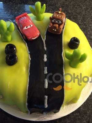 Τούρτα γενεθλίων με αυτοκινητάκια