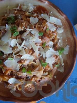 Χυλοπίτες με σάλτσα λαχανικών και παρμεζάνα