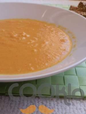 Σούπα καρότου με κάρυ και θυμάρι
