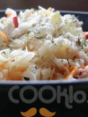 Λάχανο σαλάτα με μυζήθρα, ρίγανη και φασκόμηλο