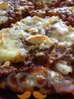 Πικάντικη πίτσα με κιμά