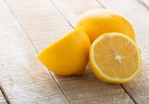Οι ευεργετικές ιδιότητες του λεμονιού