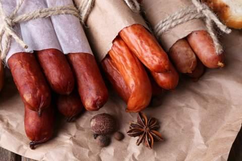Η παράδοση και τα λουκάνικα