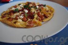 Αυγά με πεπερόνι, καυτερή κέτσαπ και βασιλικό