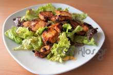 Ψητά φιλετάκια κοτόπουλο με κρέμα βαλσαμικού, πορτοκάλι και δροσερή σαλάτα