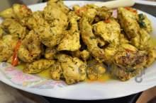 Ζουμερά φιλετάκια κοτόπουλο με κάρυ