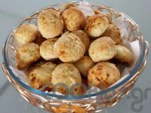 Μπουκιές με κρεμμύδι και παρμεζάνα