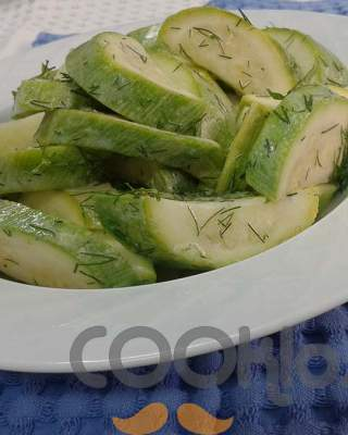 Κολοκυθάκια με σως γιαουρτιού